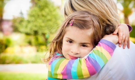 pelukan anak