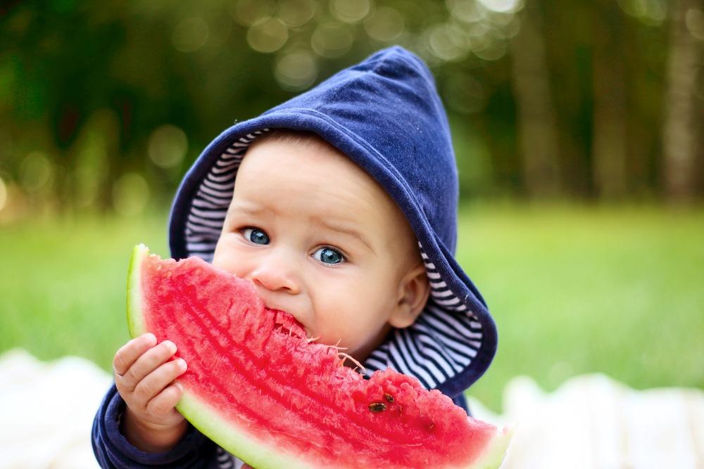 manfaat buah semangka, meningkatkan kesehatan otot, obat amandel, amandel pada anak