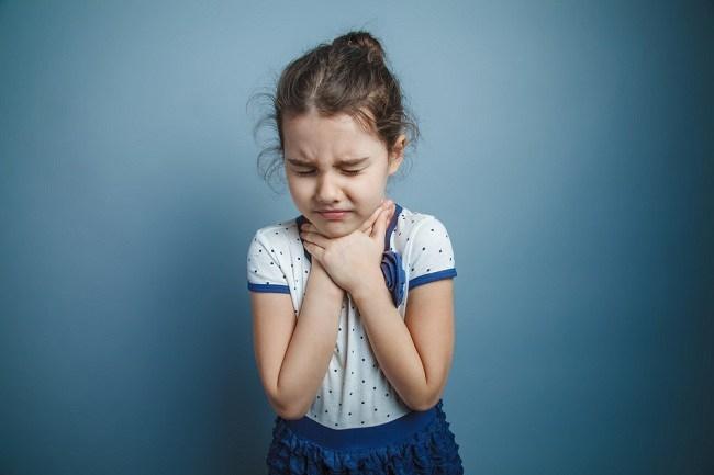 Mengatasi Sakit Tenggorokan Pada Anak