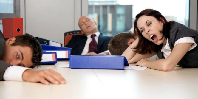 Sehabis libur panjang, pergi untuk bekerja rasanya sangat enggan. Yuk lihat ini cara mengembalikan semangat kerja