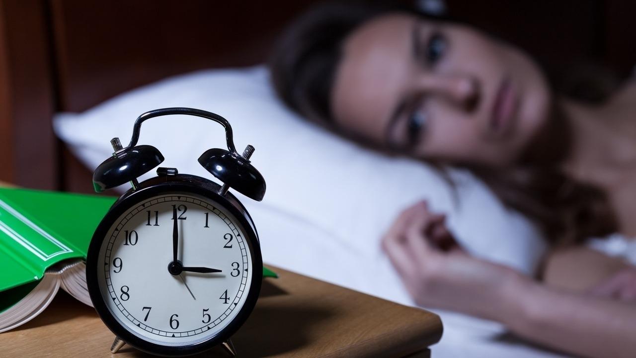 Anda selalu mengalami insomnia? Lakukan ini agar pola tidur Anda konsisten