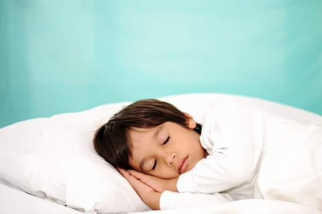 Jangan biarkan anak tidur larut malam, ini akibatnya