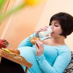 Bunda sering mengkonsumsi gula saat hamil? Apakah membahayakan?