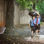 Jaga Daya Tahan Tubuh Anak di Musim Penghujan
