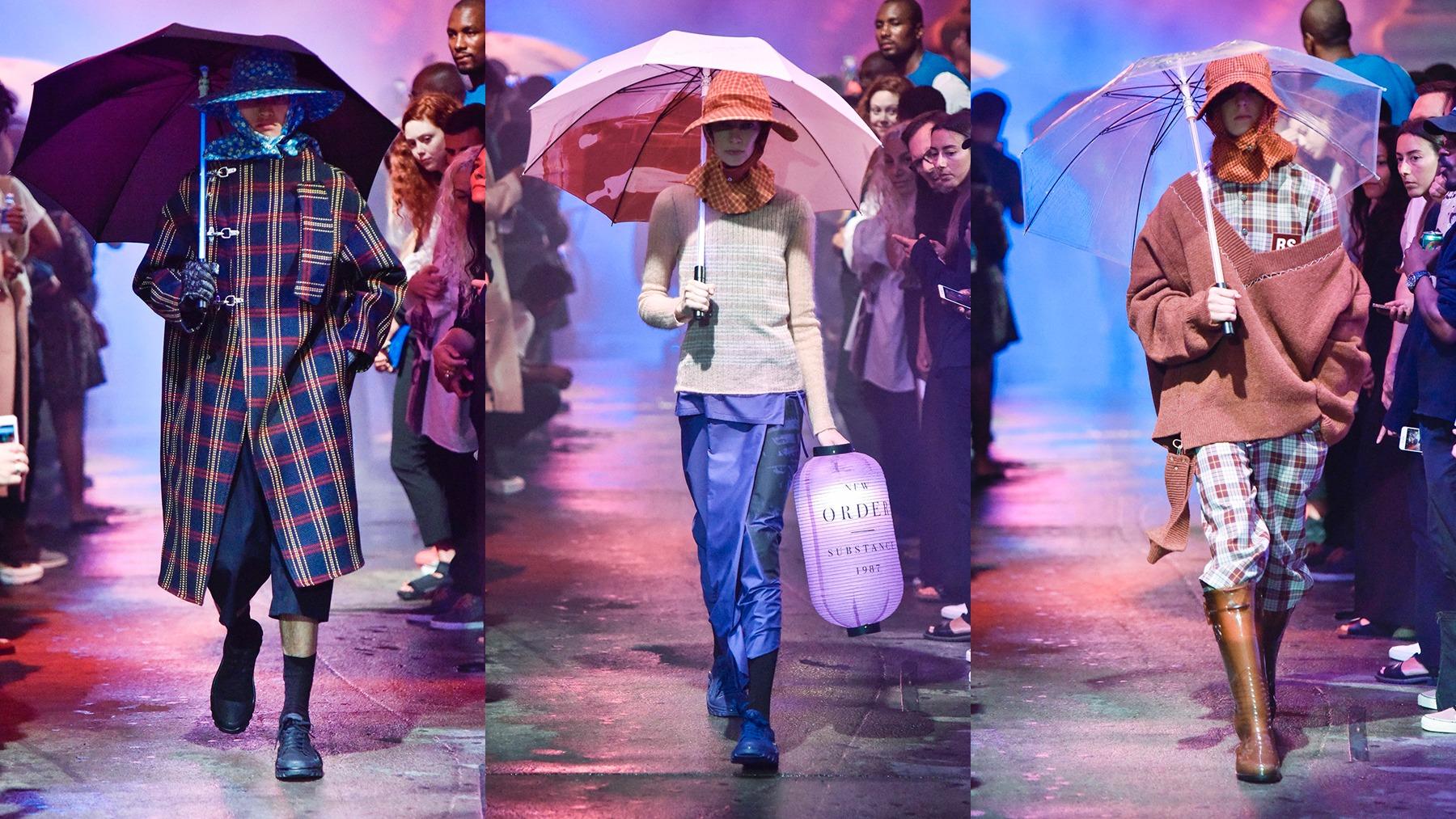 Tetap tampil stylist saat musim hujan