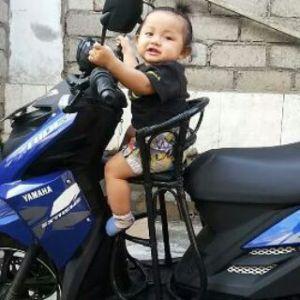 Bahaya Penggunaan Kursi Rotan Untuk Anak di Motor
