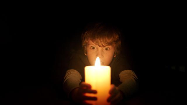 Cara Mengajarkan Anak Agar Tidak Takut Gelap
